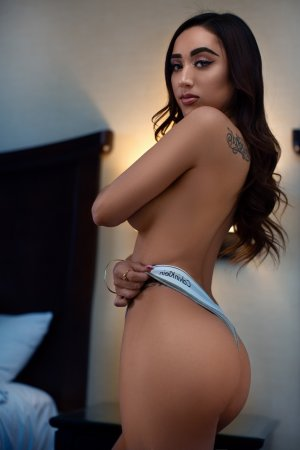Zaineb free sex in Springfield OR, independent escorts