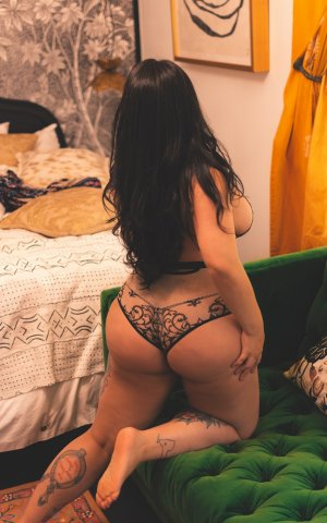 Louisanne independent escort in Clarksville